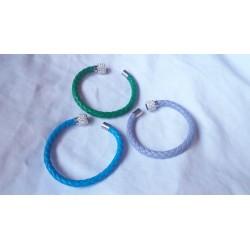 leren gevloegt armband met magnetische sluiting
